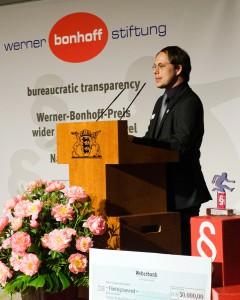 Tim Wessels bedankt sich in seiner Rede für die Verleihung des Bonhoff-Preises