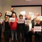 Auch in Berlin nutzen wir die Gelegenheit für ein Protestfoto im Rahmen der Aktion experten-stilltand