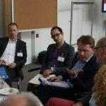 An Tisch 3 ging es im Gespräch mit Christian Flisek um die Frage der Mindestsicherung (Foto: spdfraktion.de)