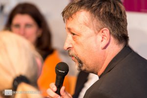 """Michael Busch (BJV) beschreibt die schwierige Situation von Journalisten. Er selbst ist Lokalredakteur bei """"Fränkischer Tag""""."""