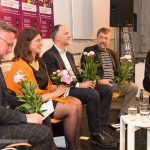 Applaus und Pfingstrosen für alle Redner - Foto: Thomas Dreier, t3-foto.de