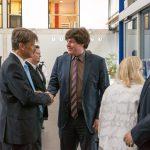 Stiftungsvorstand Till Bartelt begrüßt Daniel Junker vom Bund der Steuerzahler - Foto: Katja Hoffmann
