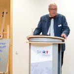 Professor Gunnar Folke  Schuppert hält die Laudatio für Christa Weidner - Foto: Katja Hoffmann