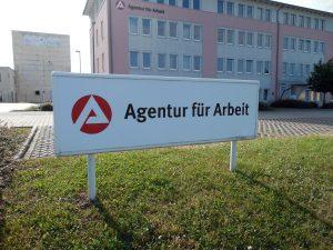 employment-agency-771154_1920