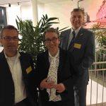 Christa Weidner mit Peter Monien (4freelance, links) und Jürgen Pöhler (Consulting Union, rechts)