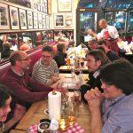 Treffen am Vorabend, im gestreiften Pullover: Jan-Peter Wahlmann (AGD), der Fotograf der Fotos hier (mit Ausnahme der letzten beiden)
