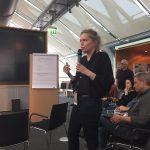 Anni Roolf bei einer Barcamp-Session. Anni hat 2012 Tim Wessels bei seiner Petition unterstützt