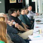 Teilnehmer am Konferenztisch, Foto: Jonas Kuckuk (BUH e.V.)