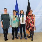 Bianca Gabbey (ganz links) mit Wirtschaftsministerin Zypries, Annette Farrenkopf und Sabine Stengel, Foto: Weiss, BMWi