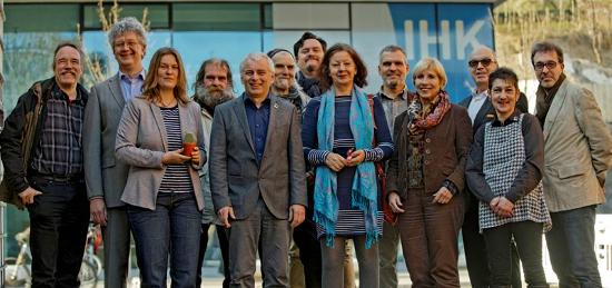 Gruppenbild mit Kaktus: Mitglieder der Stuttgarter Initiative. Foto: Joachim E. Röttgers GRAFFITI
