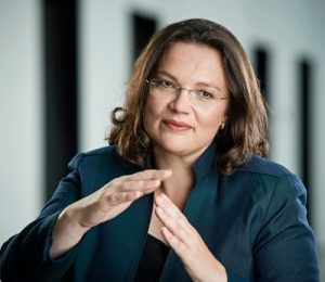 Auf Kollisionskurs mit der Realität? Die Rentenprognosen von Andrea Nahles enden im falschen Moment. Foto: BMAS/Werner Schuering