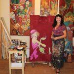 Malerin Katja Wiedemann in ihrem Atelier, Foto: Stefan Schnoor