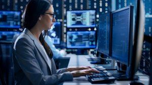Die große Mehrheit der Freelancer im IT- und Engineering-Sektor kann sich über steigende Stundensätze freuen. Foto: Gorodenkoff – Fotolia