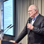 Prof. Stefan Sell spricht über die Angemessenheit niedrigerer Krankenversicherungsbeiträge, Foto: IKKeV