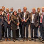 Preisträger Marcello Danieli mit den anderen Nominierten, der Jury und den Rednern, Foto: Bonhoff-Stiftung, Katja Hoffmann