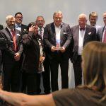 Preisträger Marcello Danieli mit den anderen Nominierten, der Jury und den Rednern, Foto: Jonas Kuckuk