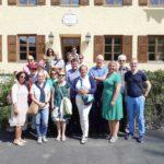 Eine VGSD-Teilnehmergruppe vor der Büttenpapierfabrik Gmund; Foto: Dorothee Passin