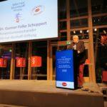 Professor GunnarFolke Schuppert begrüßt die Teilnehmer mit einer wie immer sehr amüsanten Rede, Foto: Tim Wessels